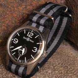 NATO James Bond Noir Gris 22mm